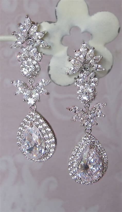 stunning chandelier earrings swarovski rhinestone