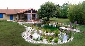 Construction Piscine Naturelle : construction piscine ecologique jardin piscine et cabane ~ Melissatoandfro.com Idées de Décoration