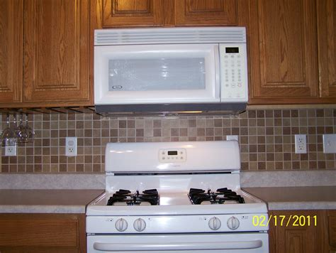 installing ceramic tile backsplash in kitchen ceramic backsplash twelve stones tile laminate
