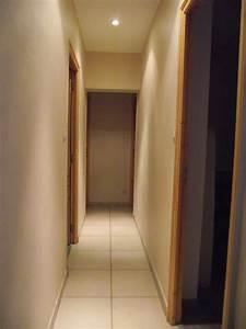 revgercom couleur pour couloir etroit idee inspirante With couleur de peinture pour couloir sombre 12 defi rendre chaleureux un long couloir