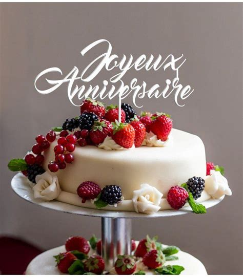 joyeux anniversaire avec une tarte aux fraises images photos cartes et gifs de g 226 teaux pour