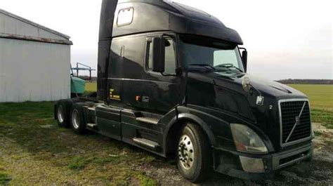 2006 volvo semi truck for sale volvo vnl 670 2006 sleeper semi trucks