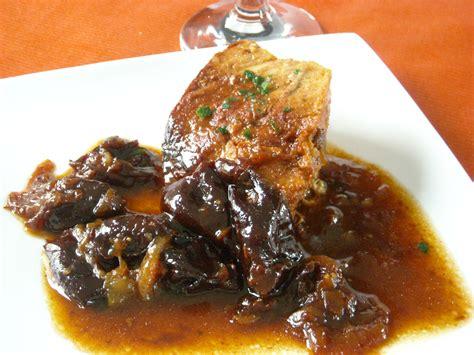cuisiner un roti de porc rôti de porc pruneaux recettes cookeo