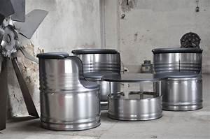 Maße 200 L Fass : fass sitzgruppe aus 200 l neu metall f sser oberfl che geb rstet klar pulverb drum furniture ~ Markanthonyermac.com Haus und Dekorationen