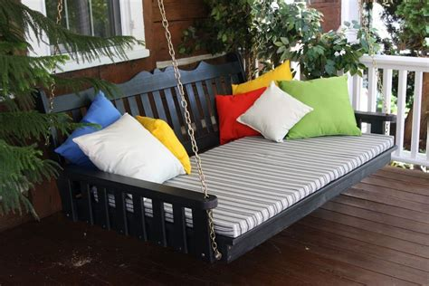 Outdoors Bed : Outdoor Porch Beds That Will Make Nature Naps Worth It