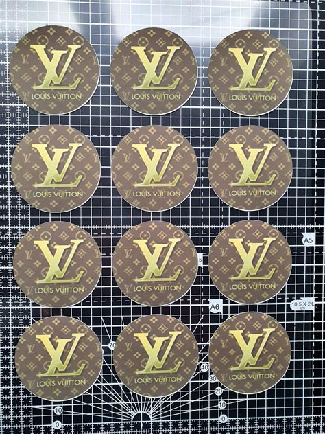louis vuitton cupcake toppers   cake decorating