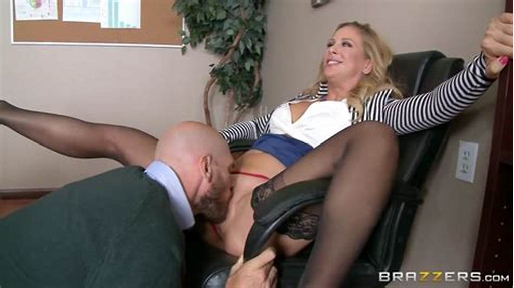 #Guy #Cunt #Licked #His #Wife'S #Boss