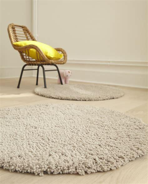 des tapis tout doux pour  de cofort dans le salon