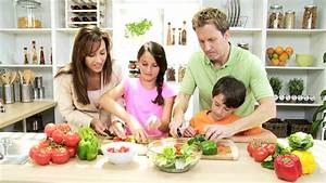 Caucasian Family Healthy Lifestyle Eating - Healthy ...