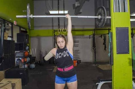 This One Armed Crossfit Athlete Is All The Sporting
