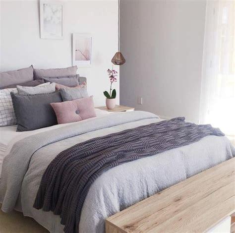 chambre grise et prune 1001 idées pour la décoration d 39 une chambre gris et violet