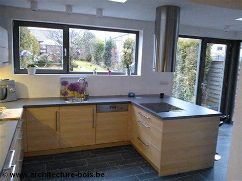 cuisine avec porte fenetre fenetre de cuisine decoration cuisine fenetre fentres