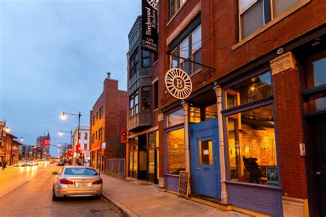 Apartment For Rent Chicago Wicker Park by Wicker Park Neighborhood Guide Living In Chicago