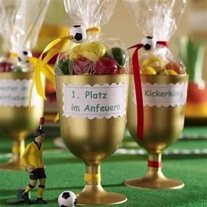 Deko Für Bayrischen Abend : party deko f r den fu ball abend 953224 pokale q5 diys pinterest cumplea os bebe y fiestas ~ Sanjose-hotels-ca.com Haus und Dekorationen
