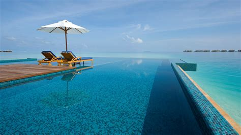 Infinity Pool : Infinity Pool, A Swimming Pool That Has No Limits