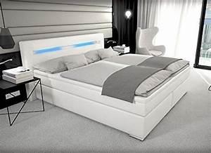 Bett Led Beleuchtung : designer boxspring bett mit led beleuchtung 180x200 cm ~ Lateststills.com Haus und Dekorationen