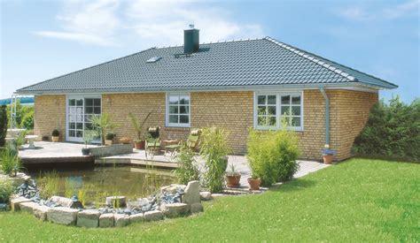 Skandinavische Häuser Bungalow by Danhaus Bungalow Bornholm