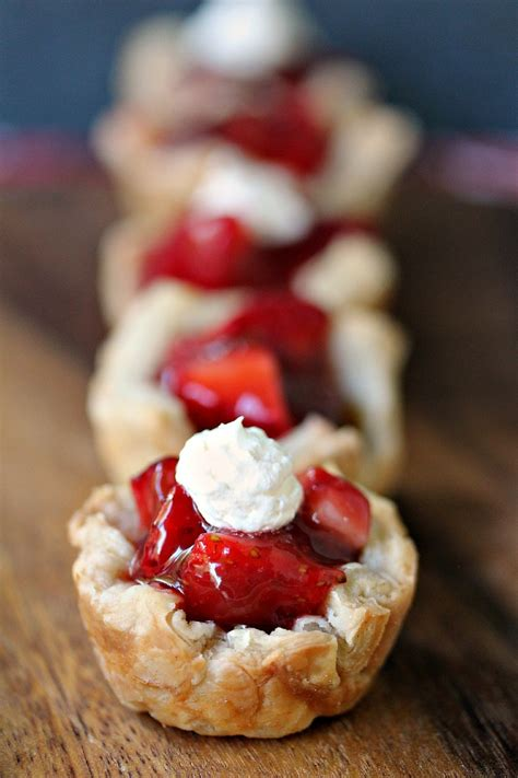 easy strawberry dessert recipes cravings   lunatic