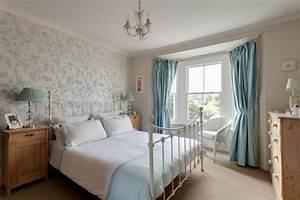 Englischer landhausstil in hellblau roomidocom for Balkon teppich mit tapeten englischer stil