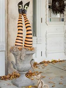 Halloween Deko Außen : die besten 25 blumentopf kost m ideen auf pinterest ~ Jslefanu.com Haus und Dekorationen
