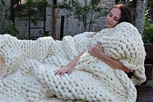 Grob Gestrickte Tagesdecke : 25 einzigartige stricken decke grobstrick ideen auf ~ Whattoseeinmadrid.com Haus und Dekorationen