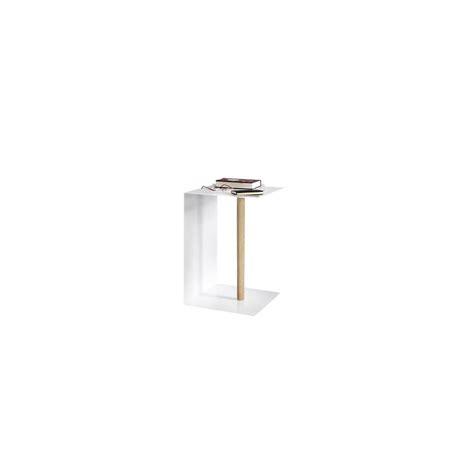 table basse moderne et design en acier blanc et bois vejtsberg
