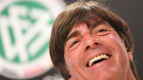 Samstagnachmittag erlebt die em eine premiere! Fußball-EM 2021 Spielplan: Alle Termine und Spiele + PDF ...