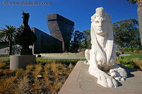 De Young Lion Statue (2