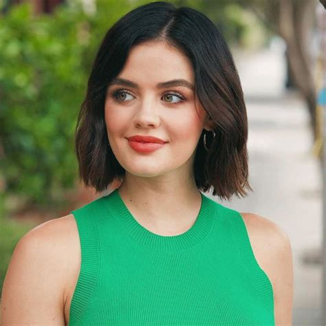 Lucy hale | Lucy hale hair, Short hair styles, Lucy hale