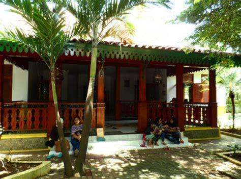 kumpulan desain rumah adat betawi modern desain minimalis