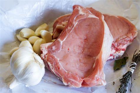 cuisiner cote de veau recettes de veau par chef simon manchonner une côte de