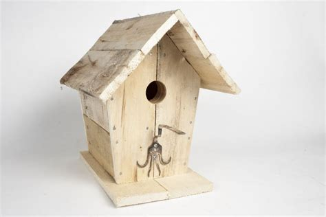 cabane a oiseaux en bois ma cabane au canada lapresse ca