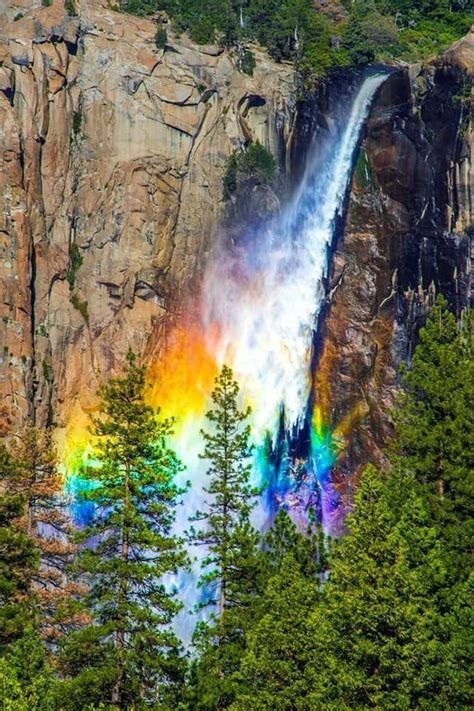 Rainbow Falls Yosemite National Park