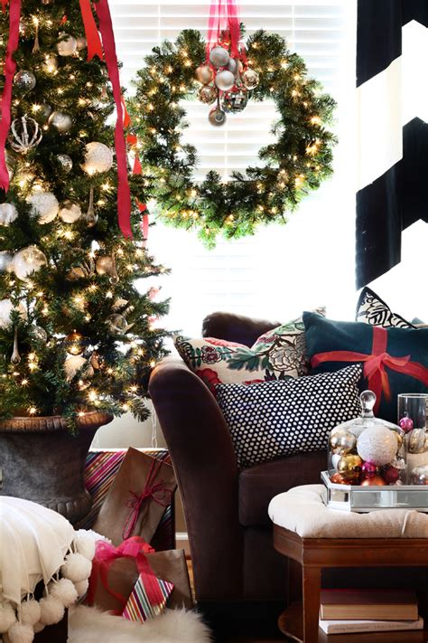 Christmas Coffee Table Decor Ideas That You Will Find Helpful