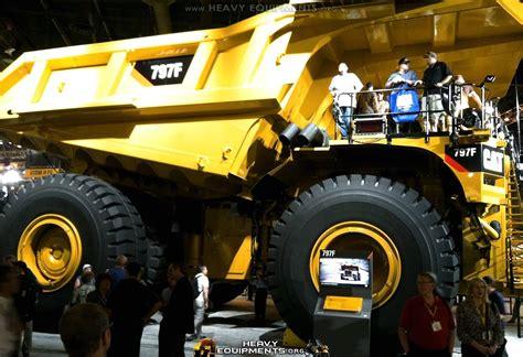 mining trucks  heavy equipment