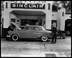 Sinclair Service Station