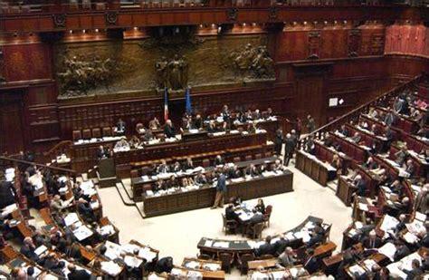 voto  fiducia al governo berlusconi segui la diretta