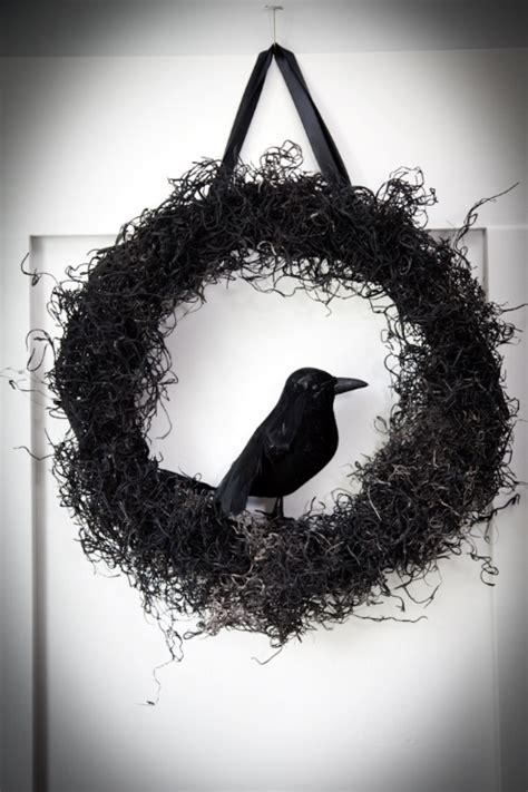 20 DIY Halloween Wreath Tutorials - The 36th AVENUE