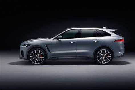 All trims also get a number of new standard safety features, including a reversing camera, front and rear parking aids, emergency braking. 2019 Jaguar F-Pace SVR First Look: SVO Crafts a 550-HP SUV ...