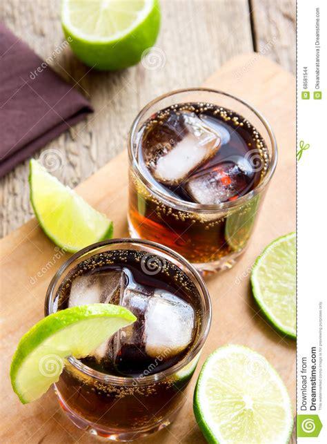 Rom- Och ColaKubaLibre Drink Arkivfoto - Bild av medf8ort ...