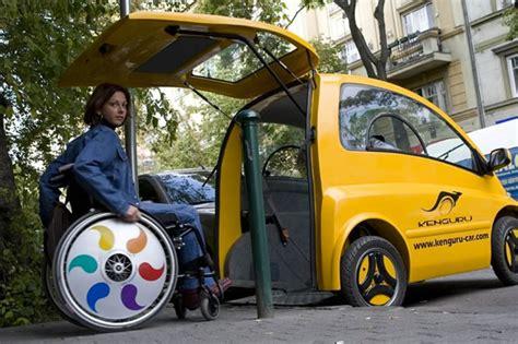 vehicule pour fauteuil roulant kenguru la voiture 233 lectrique pour les personnes en fauteuil roulant
