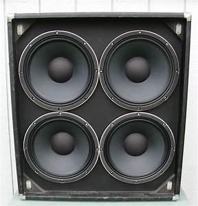 Ampeg V4 - 4x12 Cabinet