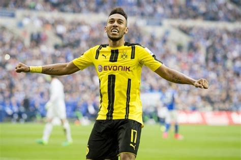 Borussia Dortmund expect Pierre-Emerick Aubameyang to stay ...
