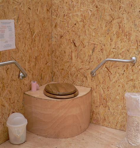 toilettes seches a litiere biomaitrisee bonne eau bonne terre