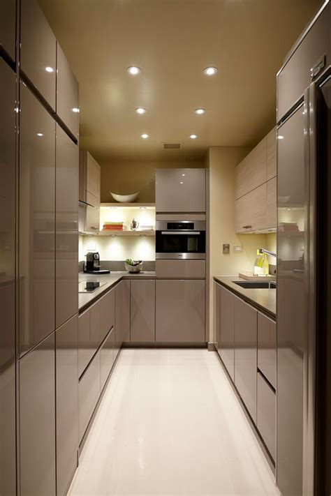 25+ Best Ideas About Small Modern Kitchens On Pinterest