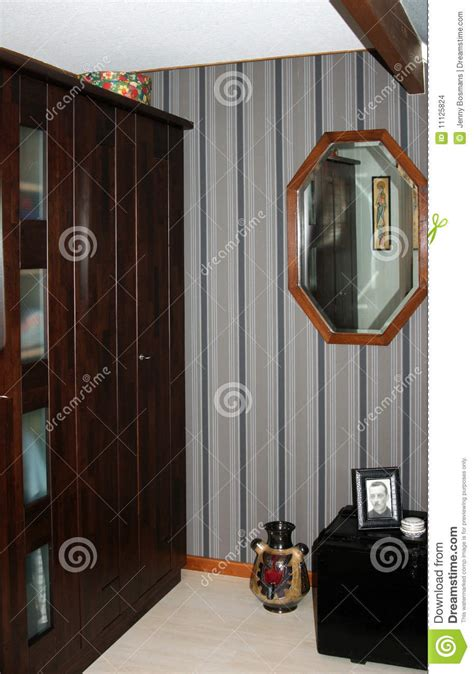 chambre a coucher en coin coin de garde robe de chambre à coucher images stock