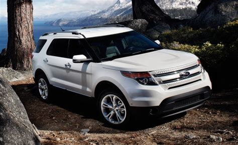 2012 Ford Explorer Limited present high class cabin for 7