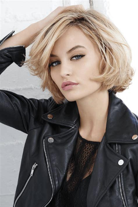 les coupes au carre  coiffure bouffant hair hair