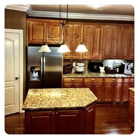 maple kitchen cabinets photos 8 best kitchen designs images on kitchen ideas 7070