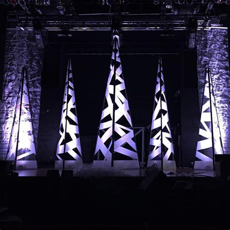 criss cross trees church stage design ideas